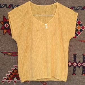 Sweet yellow vintage knit top